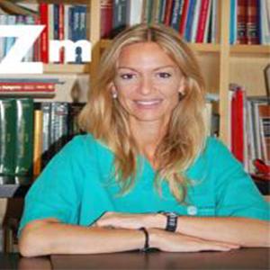 Dra. Mónica Caleya Albiol